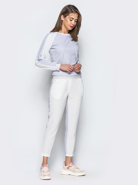 Белый комплект с серой полочкой на кофте - 16900, фото 1 – интернет-магазин Dressa