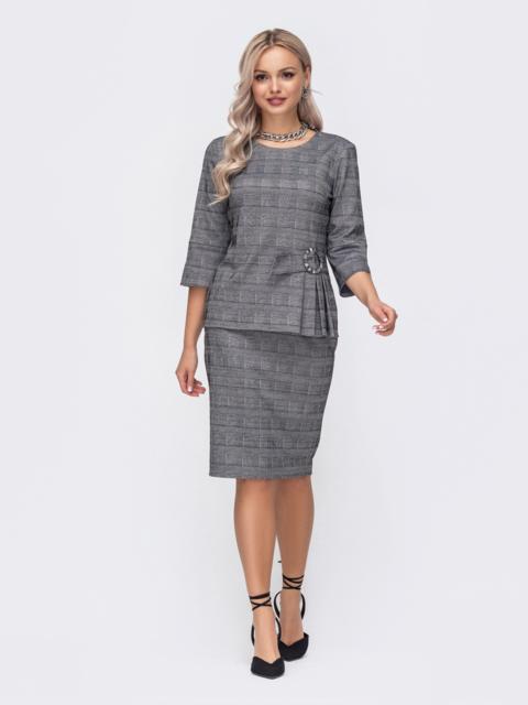 Серый костюм из юбки и кофты в клетку 50844, фото 1