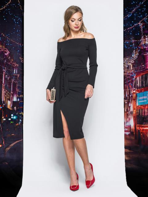 Платье черного цвета из креп-дайвинга с открытыми плечами - 18168, фото 1 – интернет-магазин Dressa