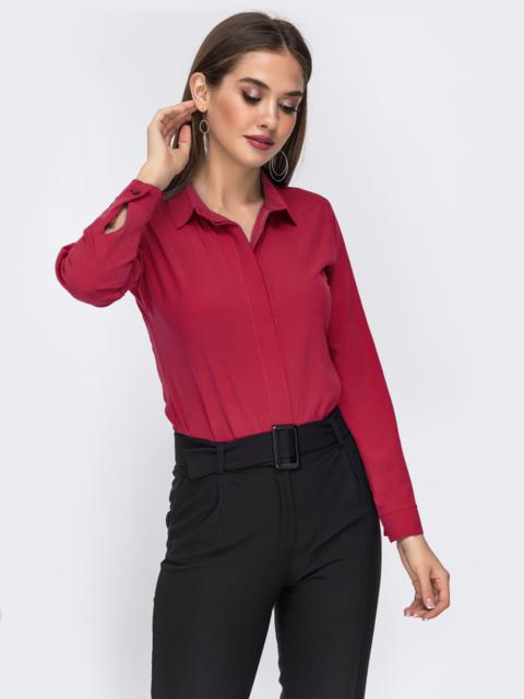Блузка красного цвета со шлевками на рукавах 50926, фото 1