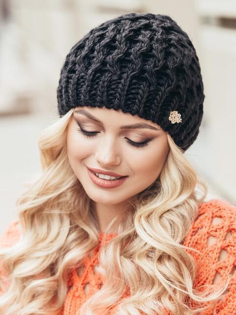 Черная шапка-бини крупной вязки - 15446, фото 2 – интернет-магазин Dressa