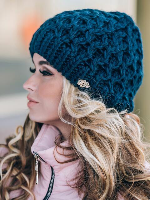 Тёмно-синяя шапка-бини крупной вязки - 14800, фото 2 – интернет-магазин Dressa