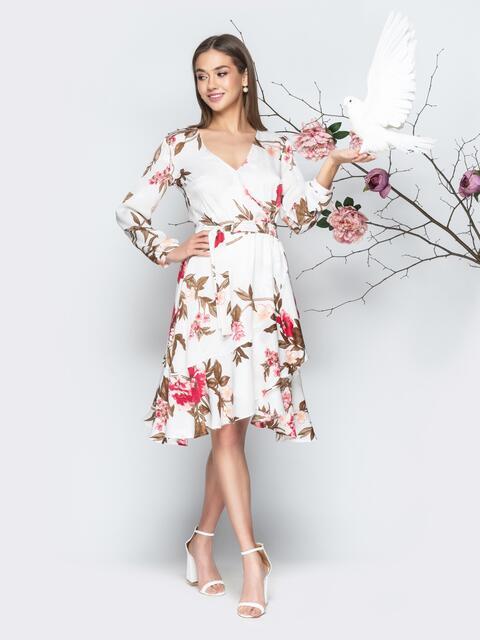 Принтованное платье с запахом и воланом белое - 20636, фото 1 – интернет-магазин Dressa
