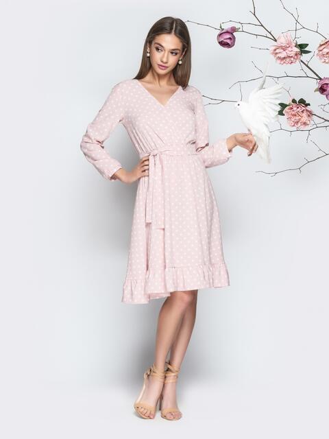 Пудровое платье в горошек с V-вырезом и воланом 20640, фото 1