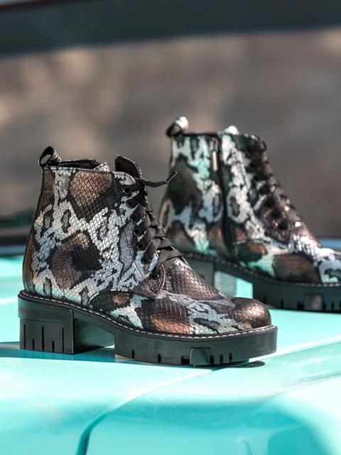 Ботинки с анималистическим принтом и тракторной подошвой - 41687, фото 1 – интернет-магазин Dressa