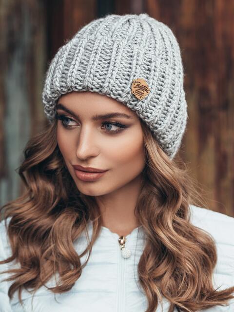 Светло-серая шапка «резинка» с отворотом 15467, фото 1