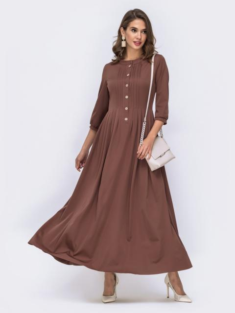 Коричневое платье приталенного кроя с расклешенной юбкой 42082, фото 1