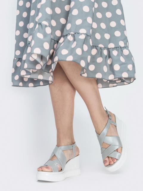 Серебристые босоножки из кожи на толстой платформе - 39113, фото 1 – интернет-магазин Dressa