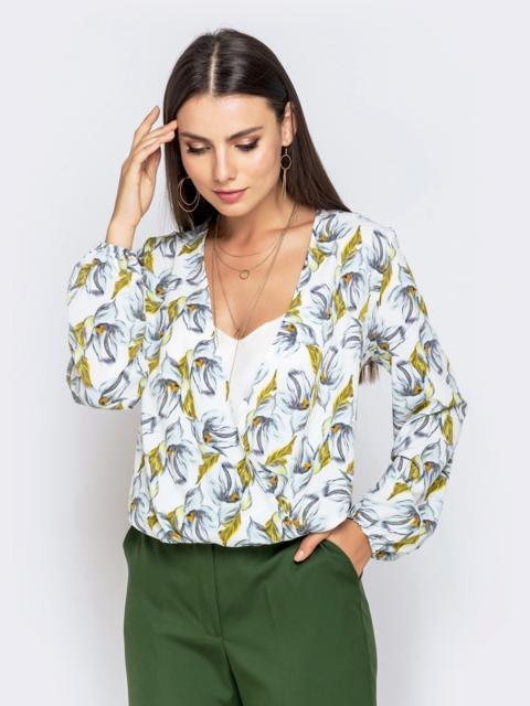 Свободная блузка с цветочным принтом белая - 40735, фото 1 – интернет-магазин Dressa