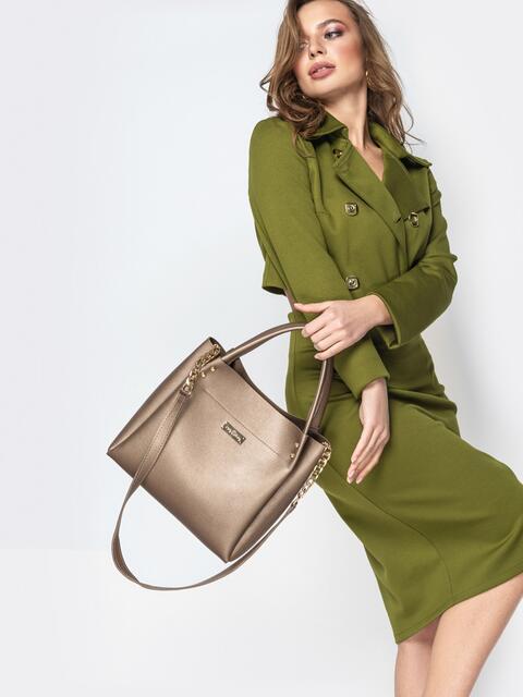 Глянцевая сумка-тоут с цепочкой на ремешке бежевая - 20550, фото 1 – интернет-магазин Dressa