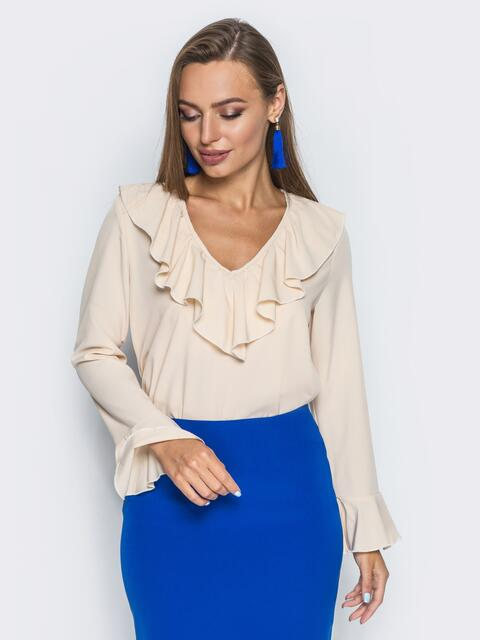 Бежевая блузка с оборкой по горловине и рукавах - 13245, фото 2 – интернет-магазин Dressa