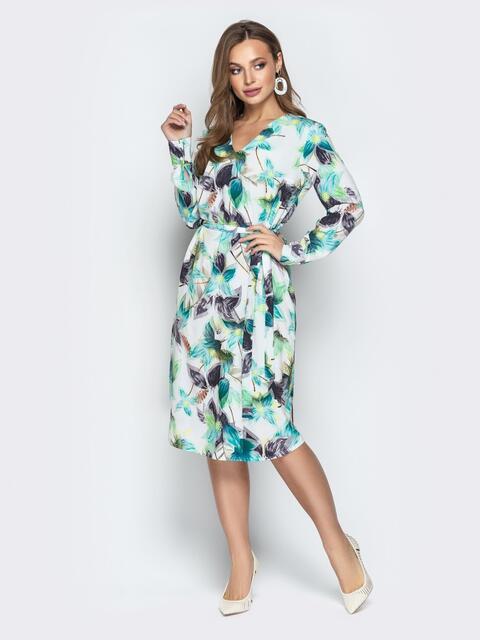 Белое платье с цветочным принтом и V-образным вырезом - 21022, фото 1 – интернет-магазин Dressa