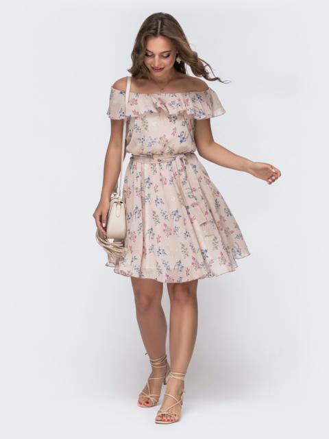 Бежевое принтованное платье с открытыми плечами 48544, фото 1