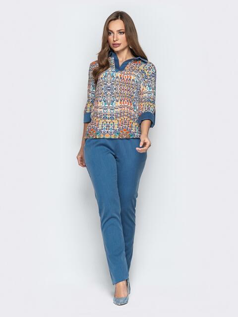 Брючный комплект с принтованной блузкой синий - 21181, фото 1 – интернет-магазин Dressa