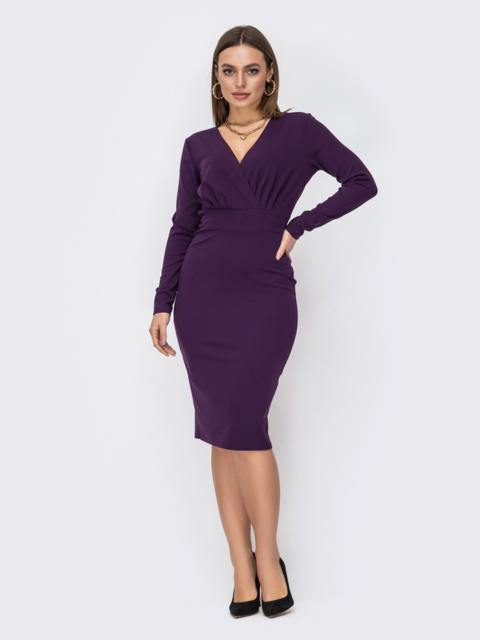 Обтягивающее платье с драпированным лифом фиолетовое 52615, фото 1