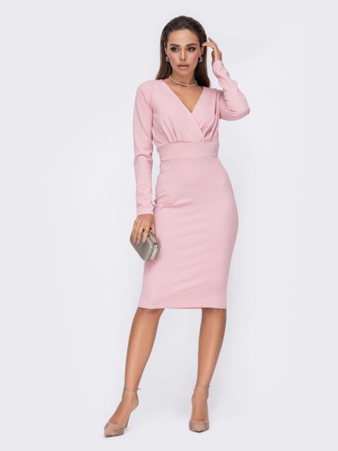 Обтягивающее платье с драпированным лифом розовое 52616, фото 1