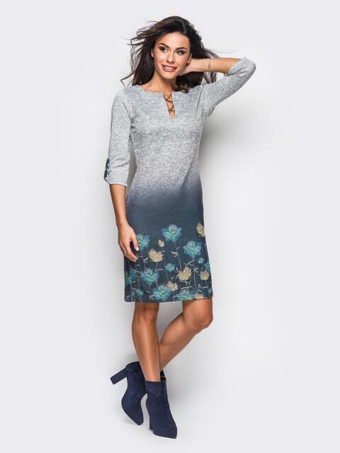 Принтованное трикотажное платье со шнуровкой на горловине - 13161, фото 1 – интернет-магазин Dressa