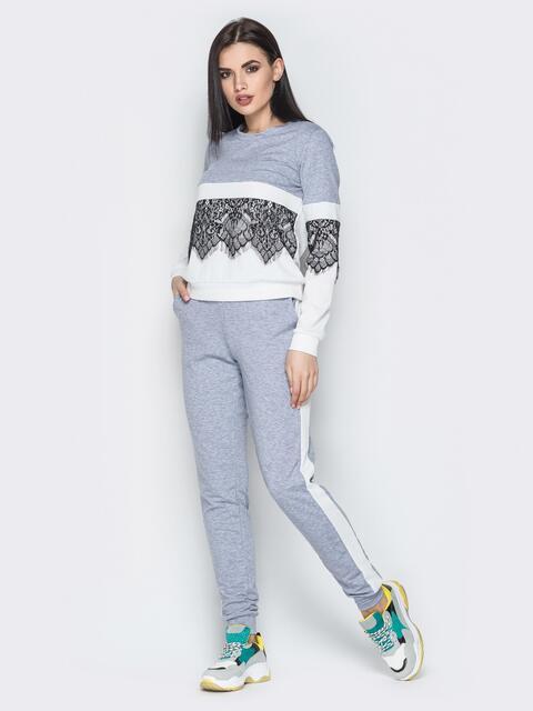 Серый комплект с контрастными вставками и кружевом на кофте - 20730, фото 1 – интернет-магазин Dressa