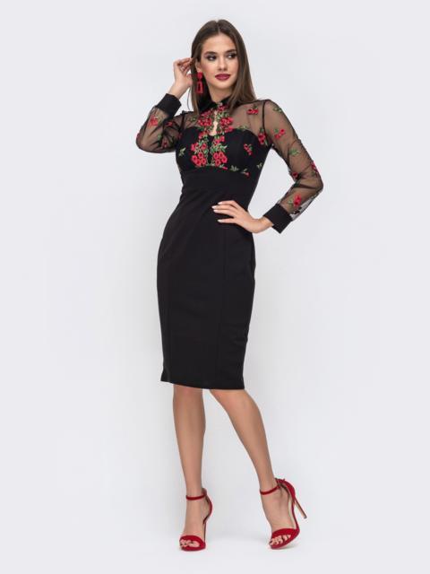 Платье-футляр с контрастной вышивкой на кокетке чёрное 42882, фото 1