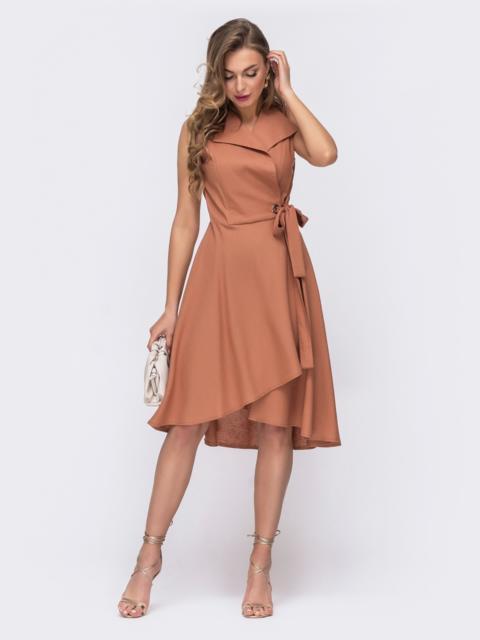 Платье на запах с удлиненной спинкой терракотовое - 48244, фото 1 – интернет-магазин Dressa