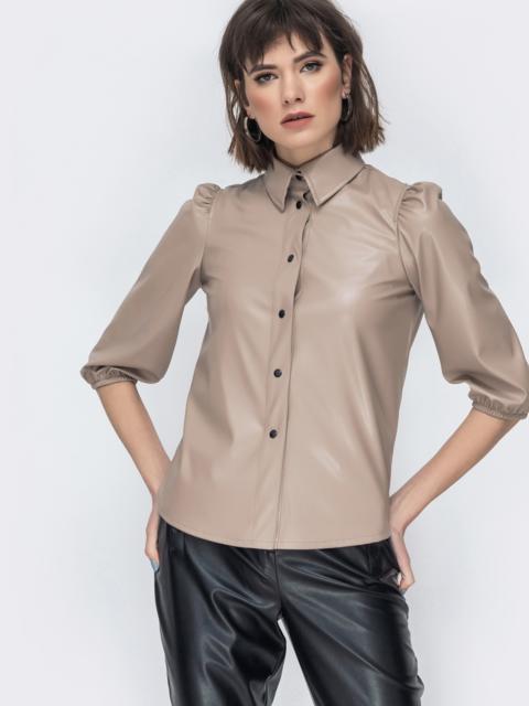 Бежевая рубашка из эко-кожи с рукавами-буфами 44886, фото 1