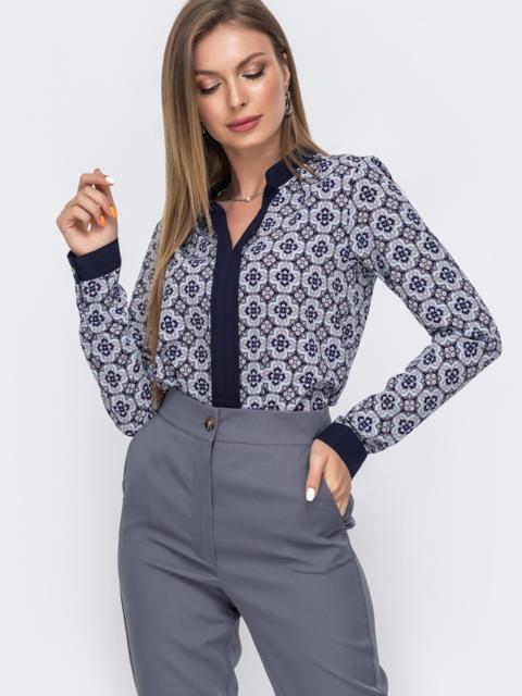 Голубая блузка с принтом и V-вырезом 49504, фото 1