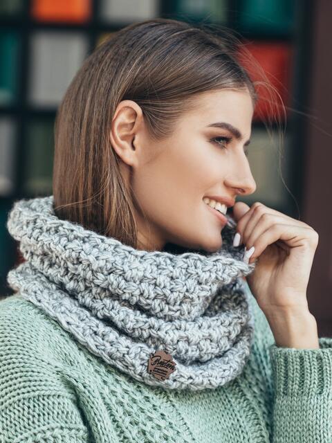 Хомут объемной вязки светло-серый - 14977, фото 1 – интернет-магазин Dressa