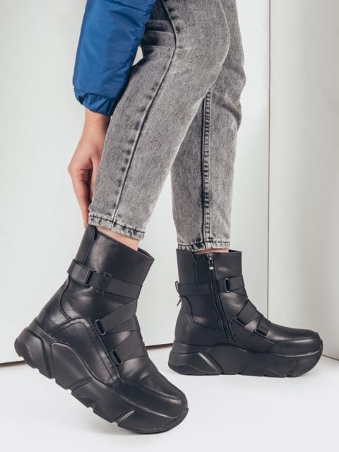 Зимние сапоги чёрного цвета с массивной подошвой 51750, фото 1