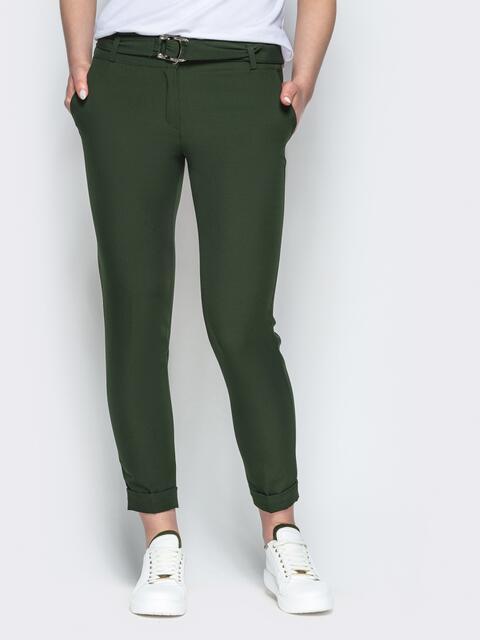 Зеленые укороченные брюки с поясом - 21862, фото 1 – интернет-магазин Dressa