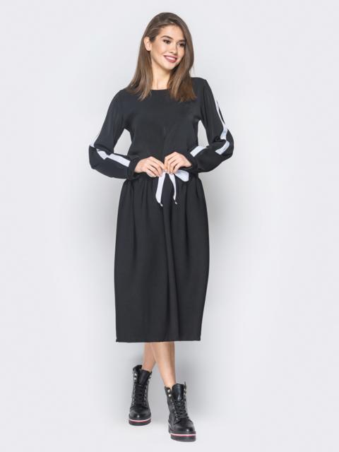Чёрное платье в стиле oversize с лампасами на рукавах - 18730, фото 1 – интернет-магазин Dressa