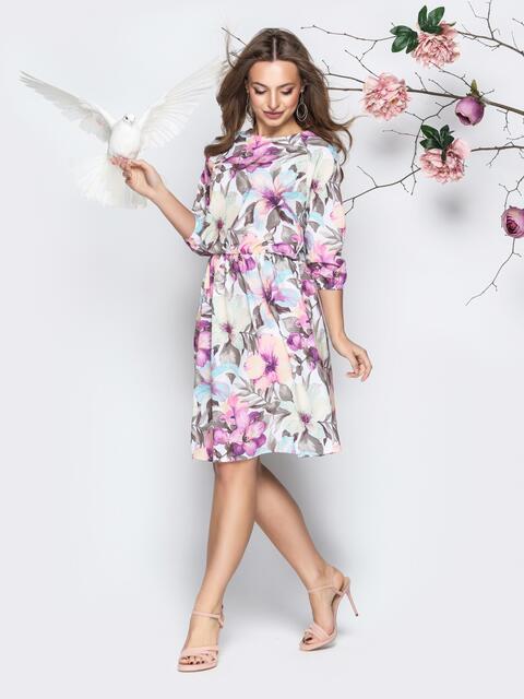 Розовое платье приталенного кроя с цветочным принтом - 20954, фото 1 – интернет-магазин Dressa