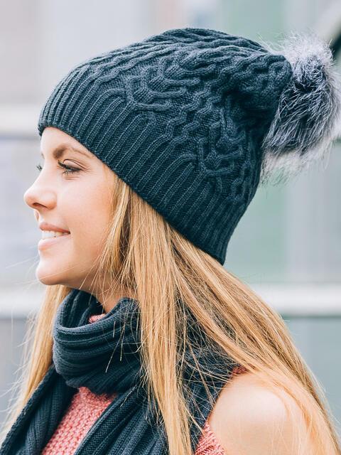 """Тёмно-синяя шапка мелкой вязки с узором """"плетенка"""" - 14777, фото 1 – интернет-магазин Dressa"""