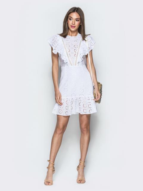 Белое платье из прошвы с воланами по бокам - 38690, фото 1 – интернет-магазин Dressa