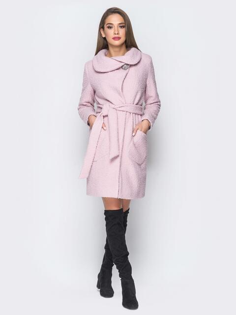 Пальто розового цвета из букле с воротником-хомут - 18254, фото 1 – интернет-магазин Dressa