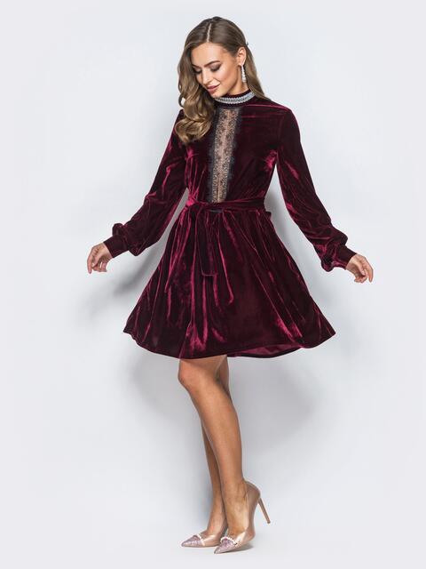 Расклешенное платье бордового цвета с гипюром на полочке - 18053, фото 1 – интернет-магазин Dressa