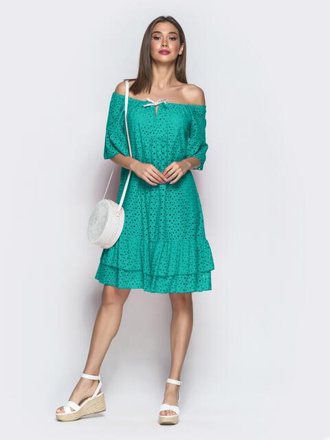 Бирюзовое платье-трапеция из прошвы с открытыми плечами 54335, фото 1