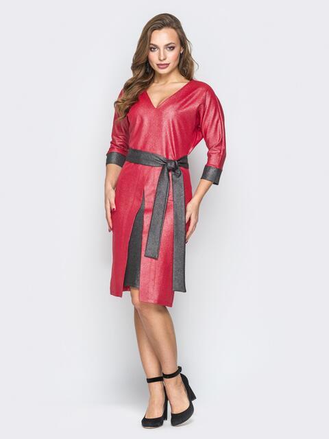 Красное платье с V-вырезом и контрастной вставкой на юбке - 19895, фото 1 – интернет-магазин Dressa