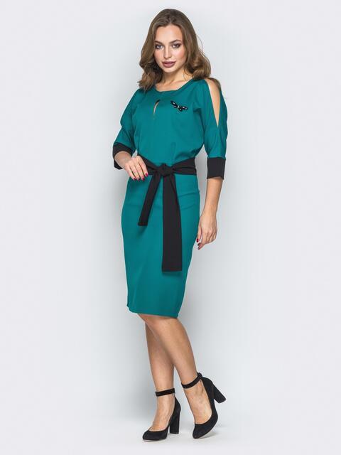 Зелёное платье с цельнокроеным верхом и съёмной брошью - 19889, фото 1 – интернет-магазин Dressa