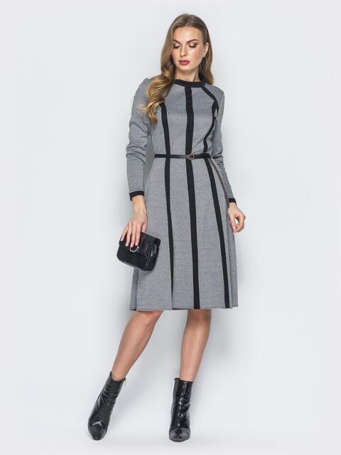Трикотажное платье серого цвета с контрастными вставками - 18763, фото 1 – интернет-магазин Dressa