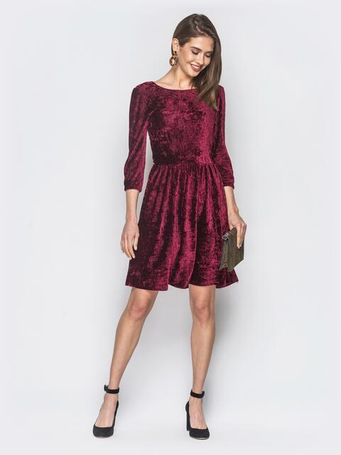 Бордовое платье из плиссированного велюра - 19060, фото 1 – интернет-магазин Dressa