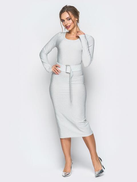 Платье белого цвета из люрекса с поясом в комплекте - 18333, фото 1 – интернет-магазин Dressa