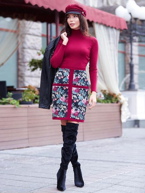 Платье-футляр бордового цвета с флористическим принтом - 17593, фото 1 – интернет-магазин Dressa