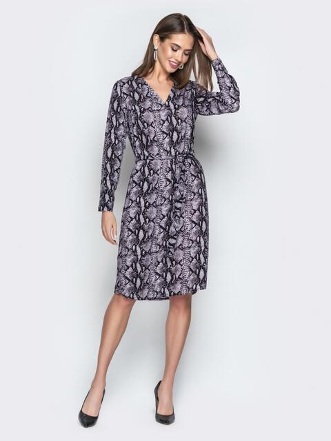 Серое платье с анималистическим принтом и V-образным вырезом - 21021, фото 1 – интернет-магазин Dressa