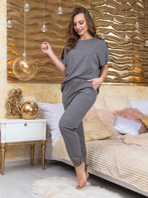 Серая пижама в рубчик с вышивкой на брюках - 20418, фото 1 – интернет-магазин Dressa