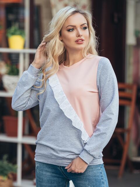 Серо-розовый свитшот с оборкой из шифона на полочке - 16162, фото 1 – интернет-магазин Dressa