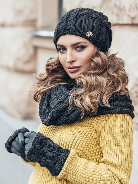 Черный комплект узорной вязки с бубоном на шапке - 15556, фото 2 – интернет-магазин Dressa