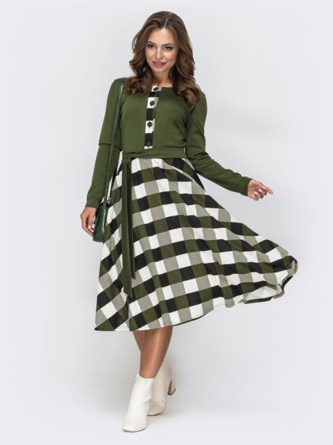 Платье цвета хаки с расклешенной юбкой в клетку 44995, фото 1