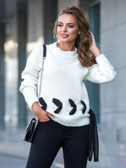 Белый свитер мелкой вязки с контрастной лентой - 41050, фото 1 – интернет-магазин Dressa