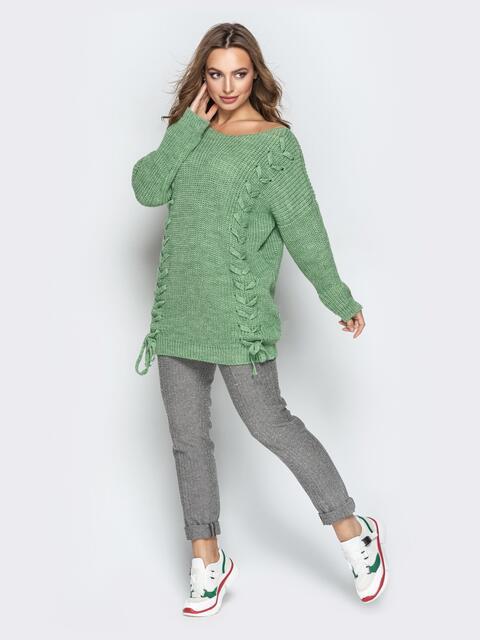 Зелёный свитер oversize с прошитыми косами спереди - 20132, фото 1 – интернет-магазин Dressa