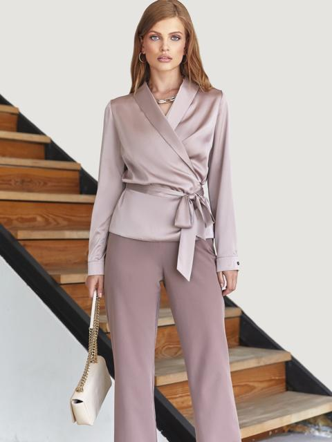 Костюм из блузки на запах бежевого цвета и брюк 54814, фото 1